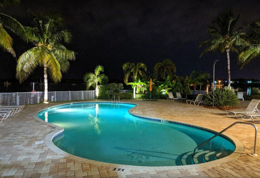 Boca by night