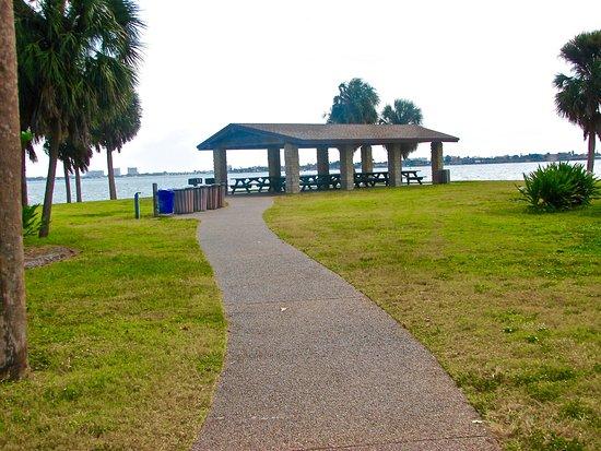 memorial veterans park